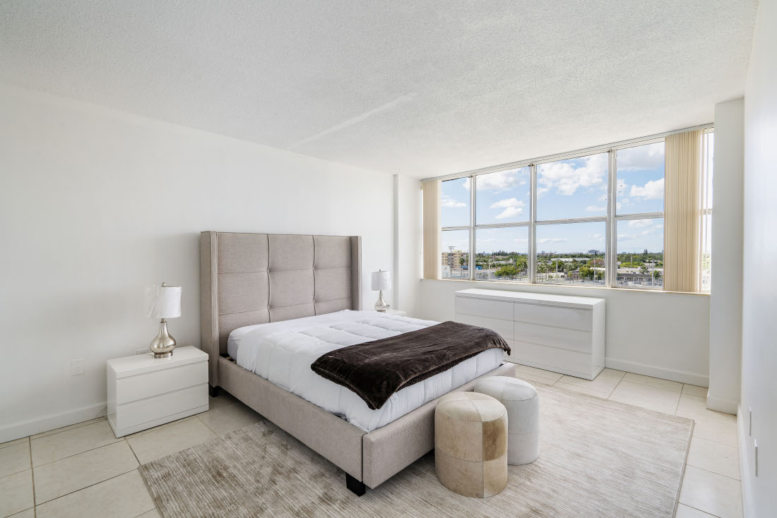 Interior Bedroom  at Grand Island Square Apartments in North Miami Beach, Florida