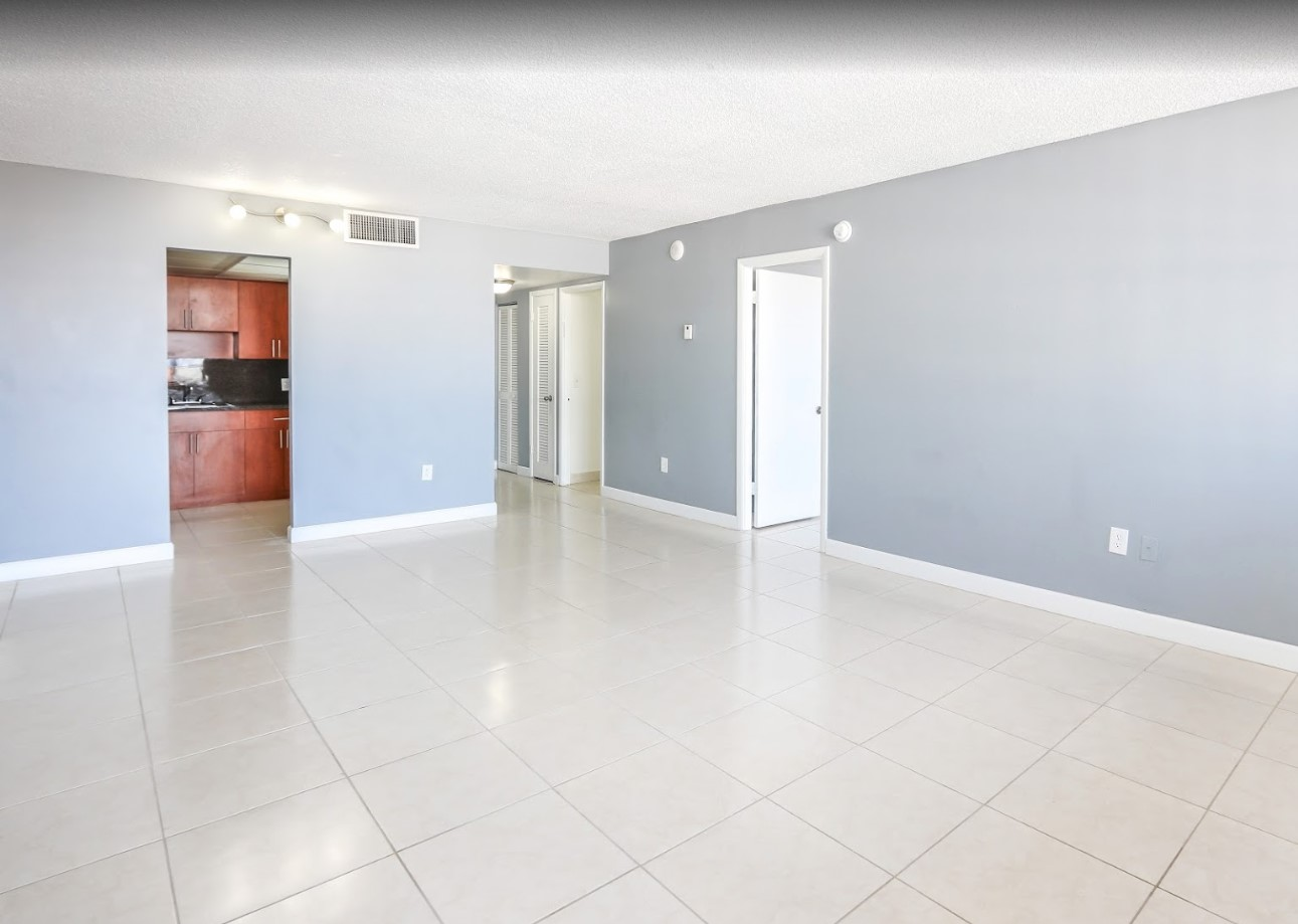 Apartments for Rent at Grand Island Square Apartments in North Miami Beach, Florida