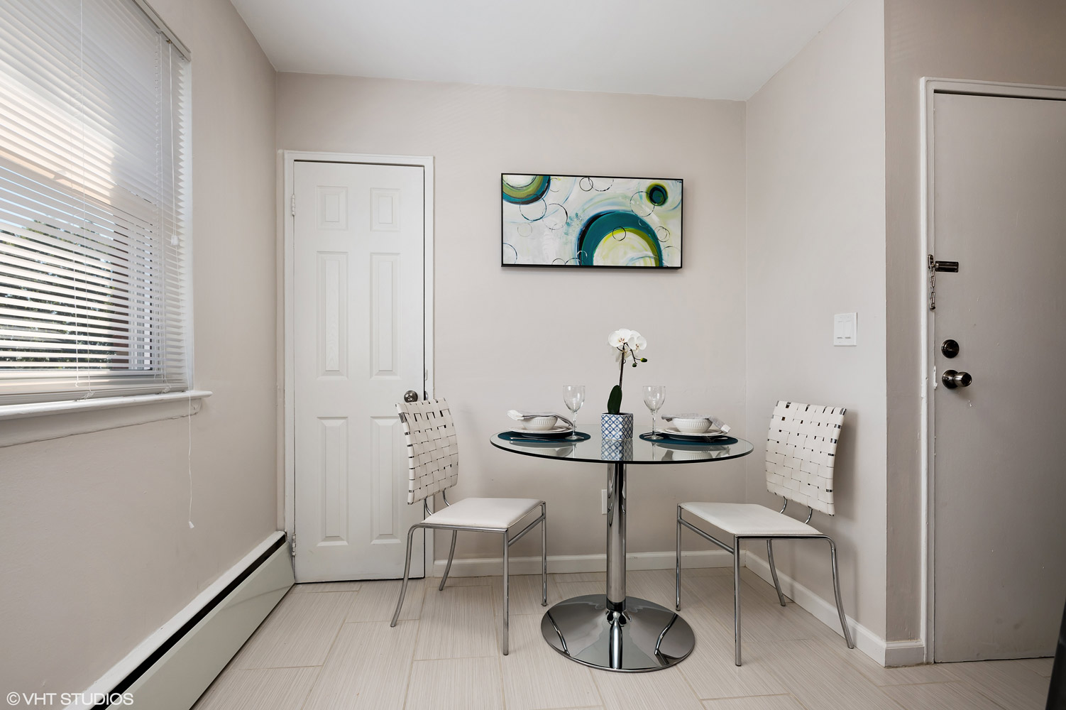 Modern Interior at Grandview Gardens Apartments in Edison, New Jersey