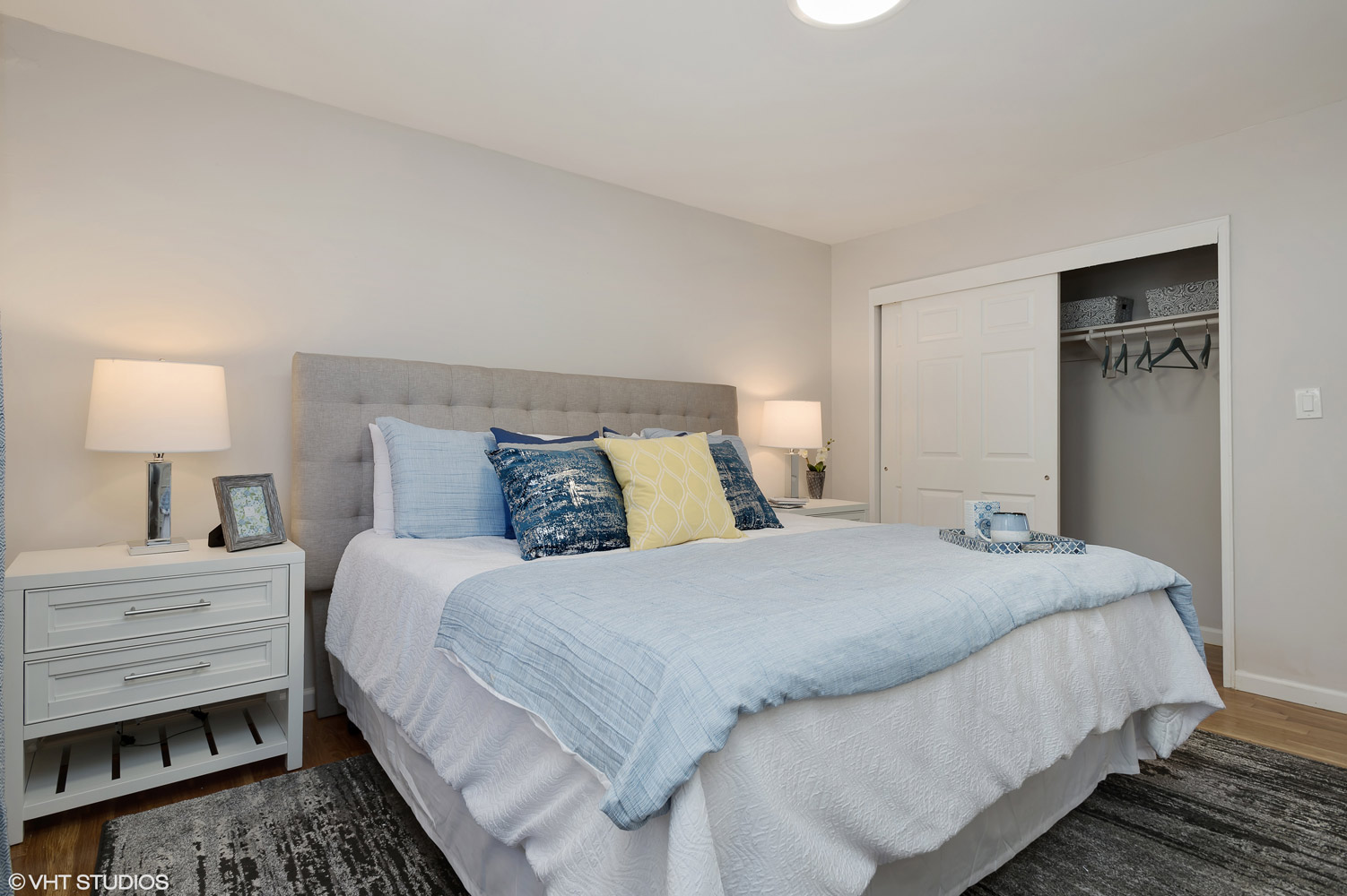 Bedroom with Attached Closet at Grandview Gardens Apartments in Edison, New Jersey