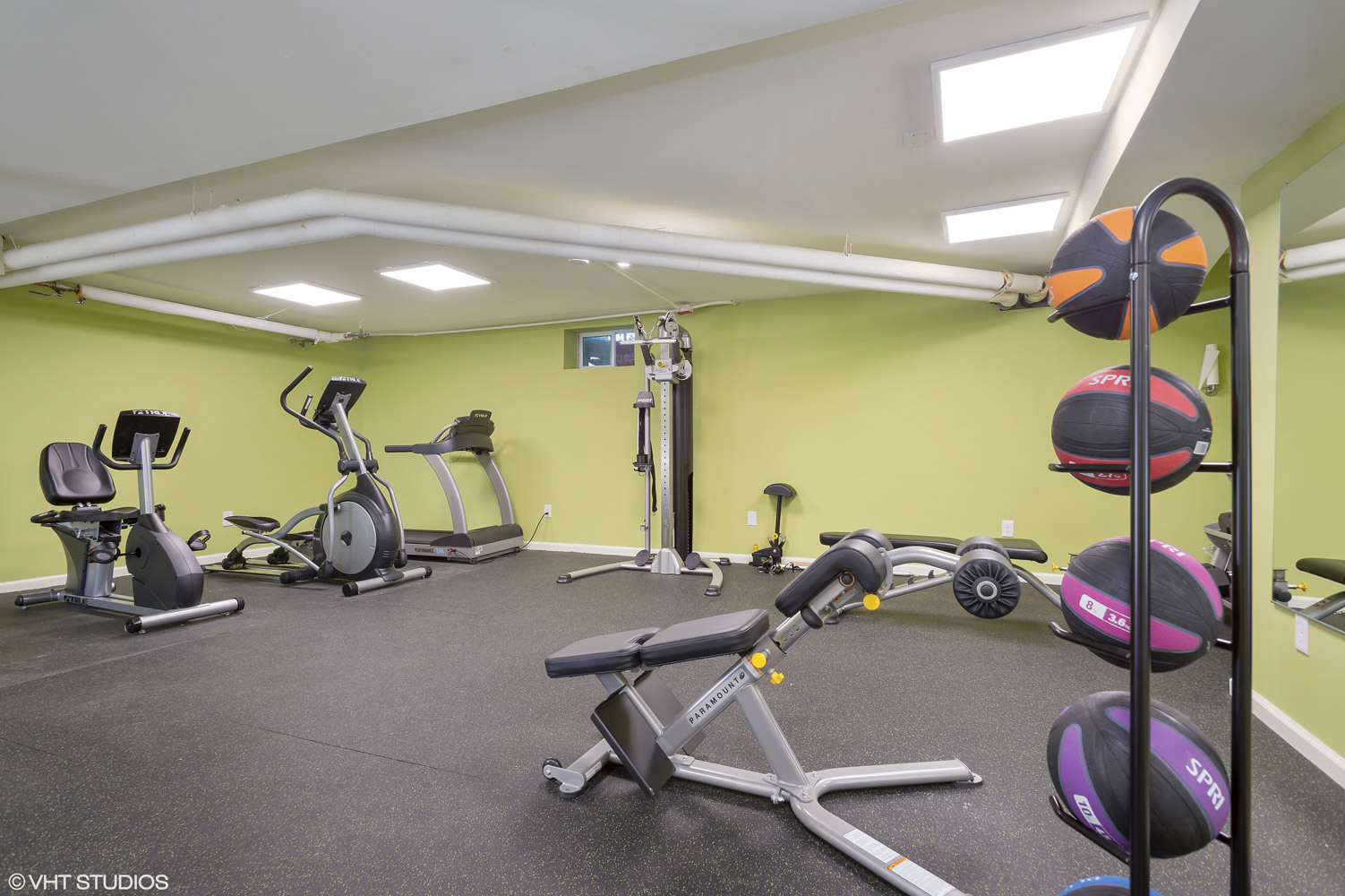 Fitness Center at Grandview Gardens Apartments in Edison, New Jersey