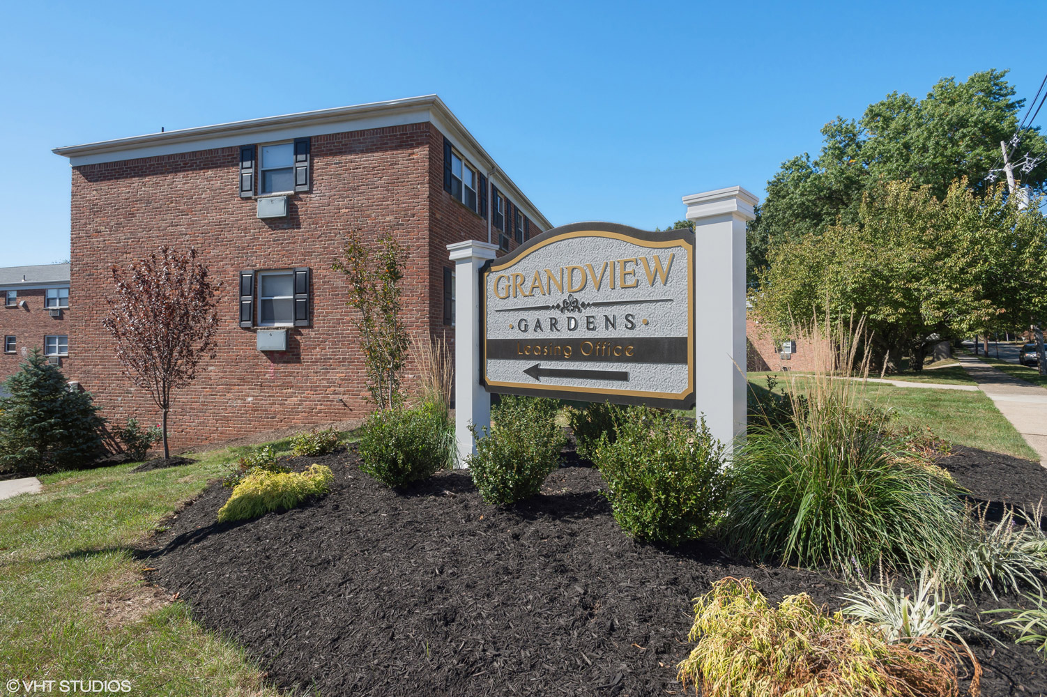Welcome Signage at Grandview Gardens Apartments in Edison, New Jersey