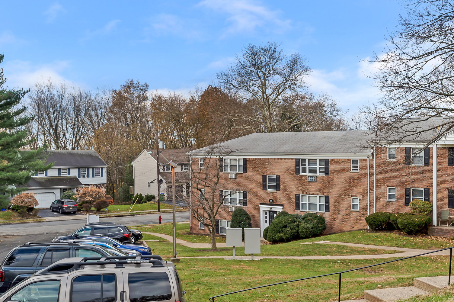 Open Parking at Grandview Gardens Apartments in Edison, New Jersey
