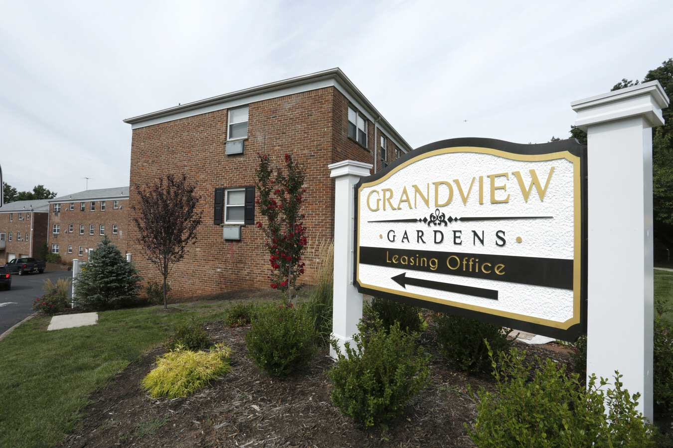 Welcome Sign at Grandview Gardens Apartments in Edison, New Jersey