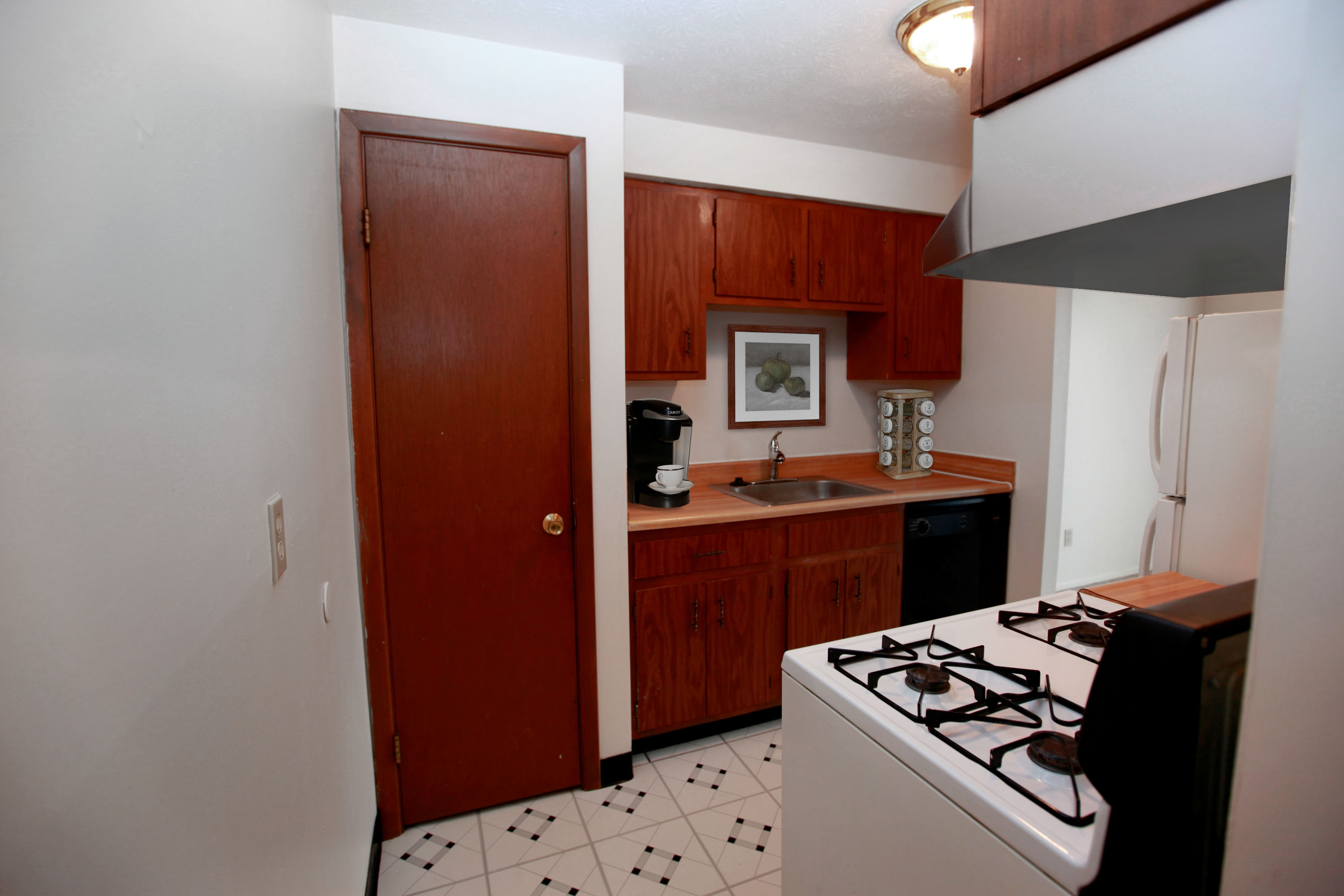 1C Kitchen at the Greenridge on Euclid Apartments in Euclid, OH