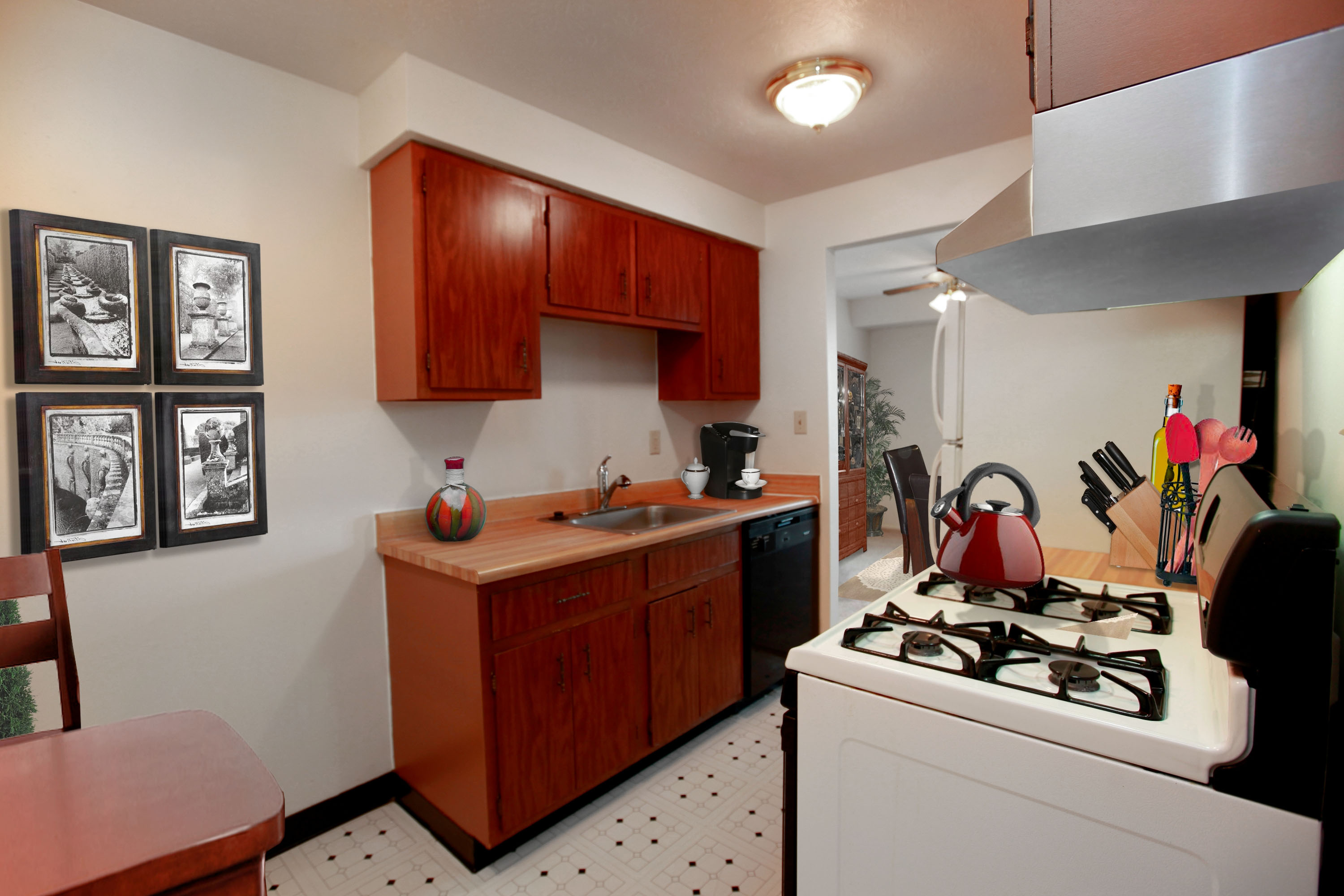 2A Eat-in Kitchen at the Greenridge on Euclid Apartments in Euclid, OH