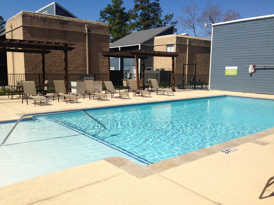 Conveniently Located Apartments at Grove on Gladstell Apartments in Conroe, Texas