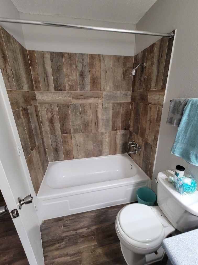 Beautifully Tiled Bathrooms at Hamilton Place Apartments in San Antonio, Texas