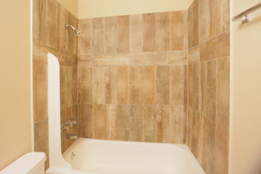 Remodeled Bathrooms at Hamilton Place Apartments in San Antonio, Texas