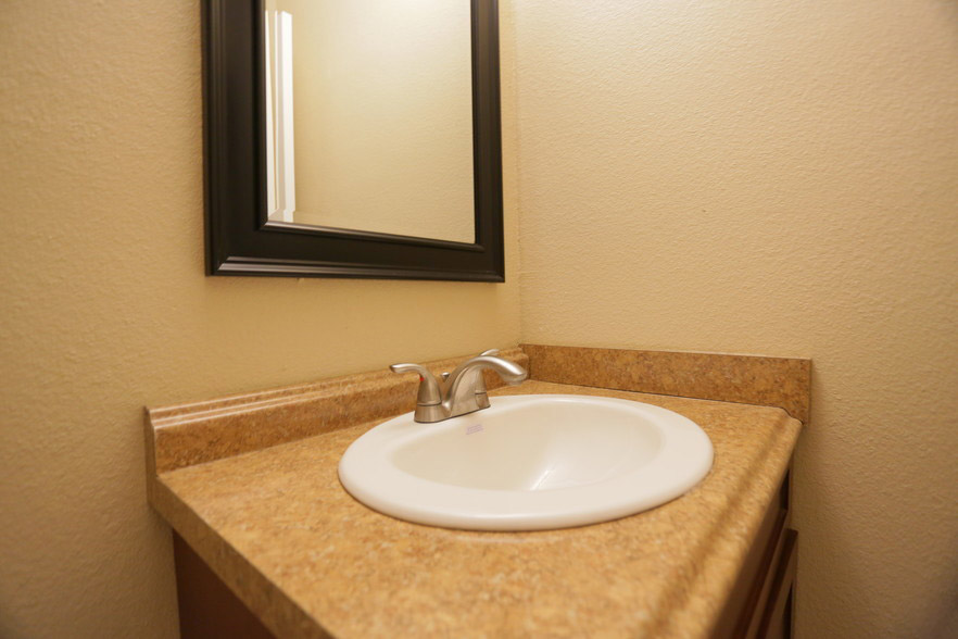 Modern Fixtures at Hamilton Place Apartments in San Antonio, Texas