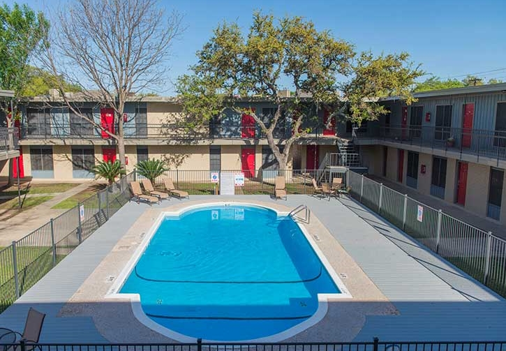 Pool and Lounge Area at Hamilton Place Apartments in San Antonio, Texas