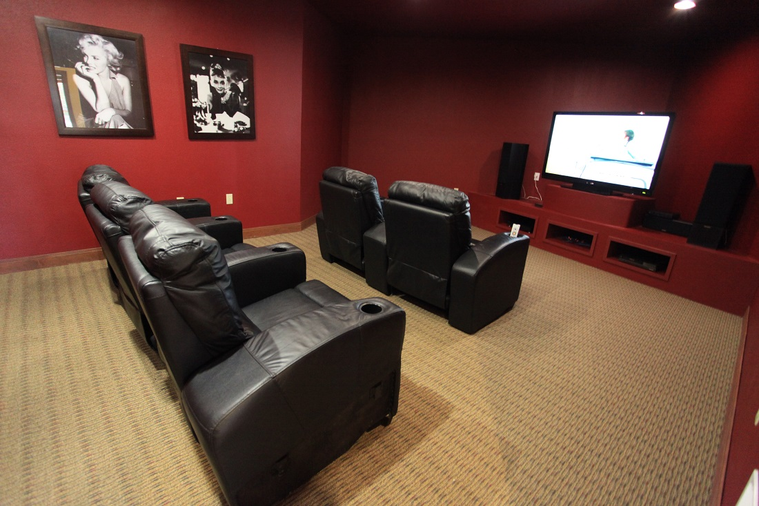 Movie Lounge at The Hamlins at Cedar Creek Apartments in Kemp, Texas