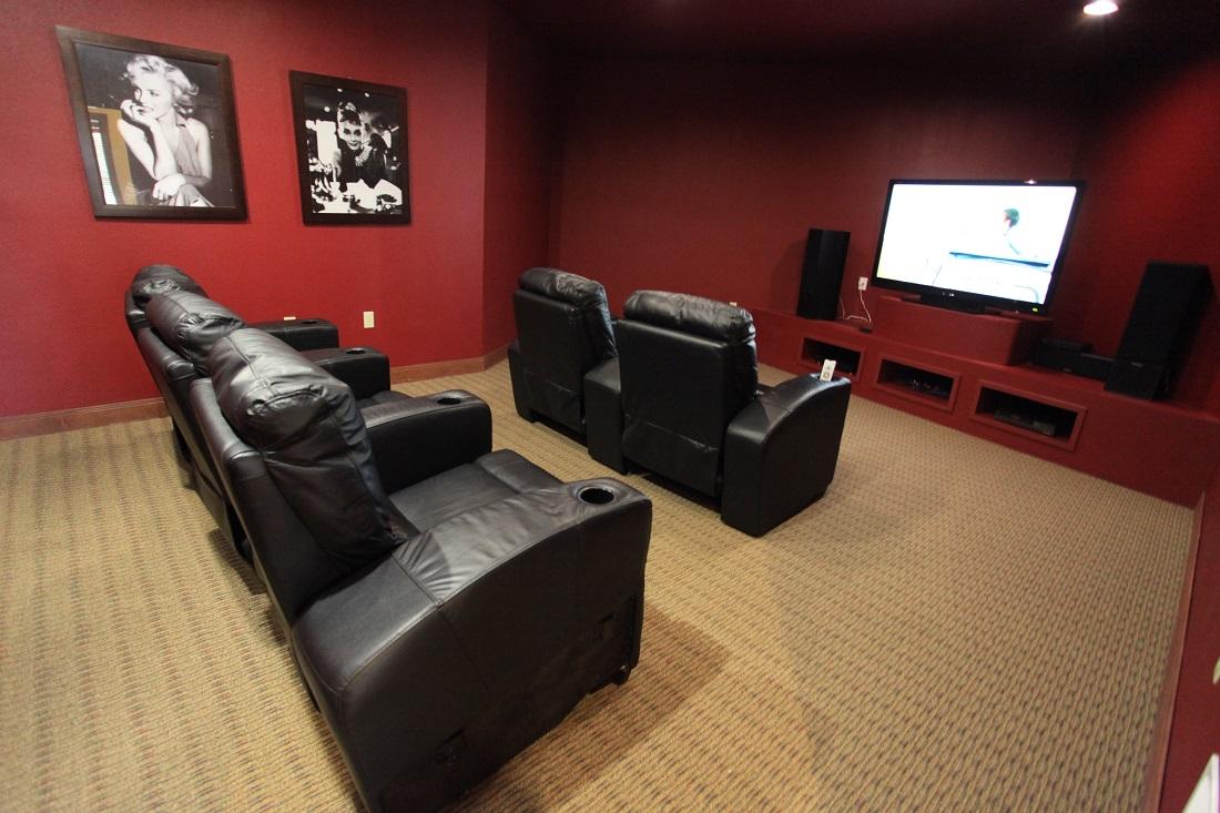 Movie Lounge at The Hamlins at Cedar Creek Apartments in Kemp, Texas