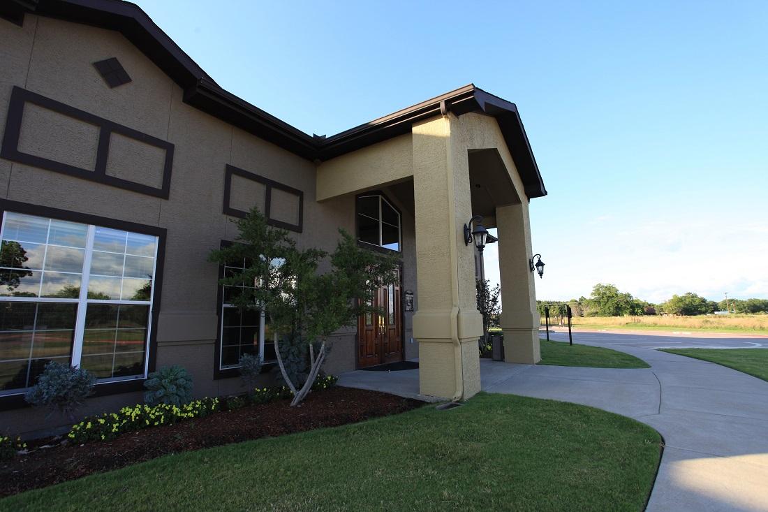 Friendly Management Team at The Hamlins at Cedar Creek Apartments in Kemp, Texas