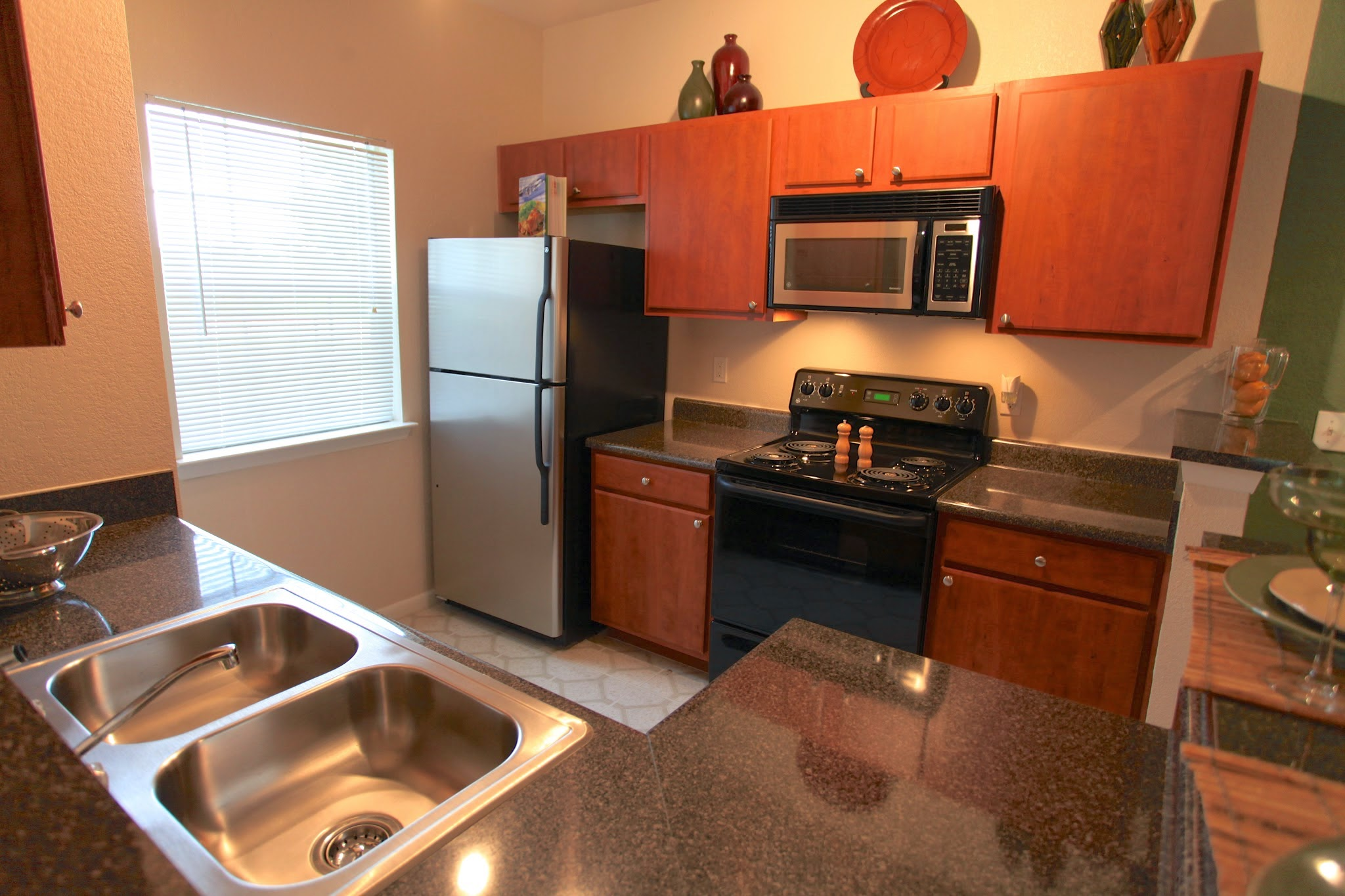 Modern Appliances at The Hamlins at Cedar Creek Apartments in Kemp, Texas