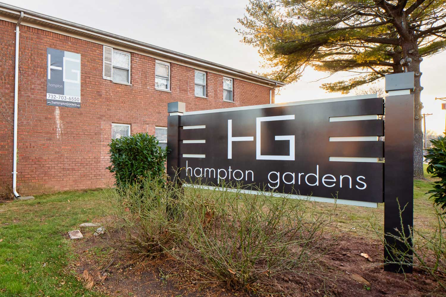 Convenient Location at Hampton Gardens Apartments in Middlesex, New Jersey