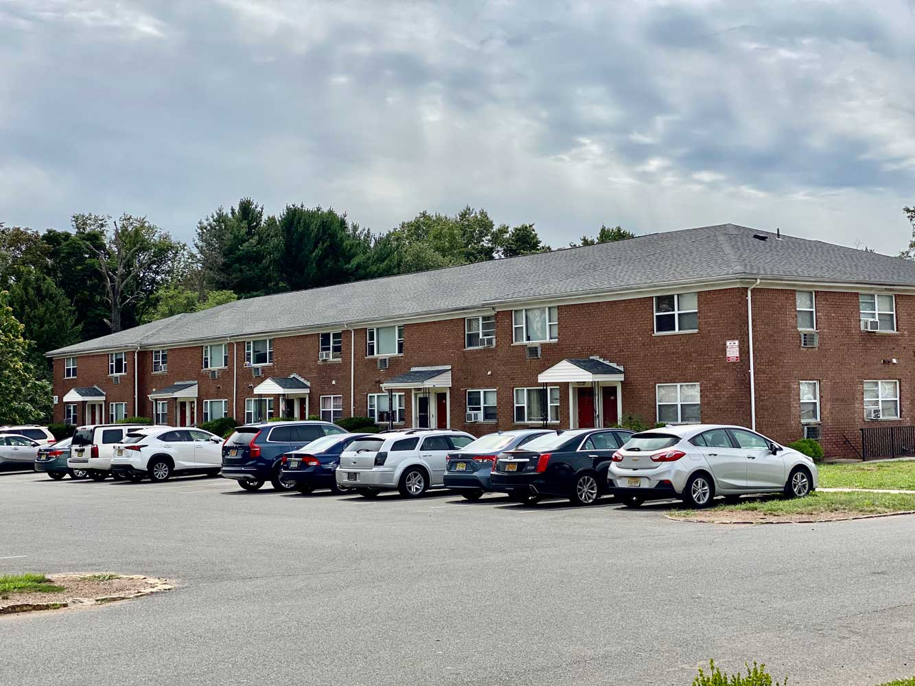 Open Parking at Hampton Gardens Apartments in Middlesex, New Jersey