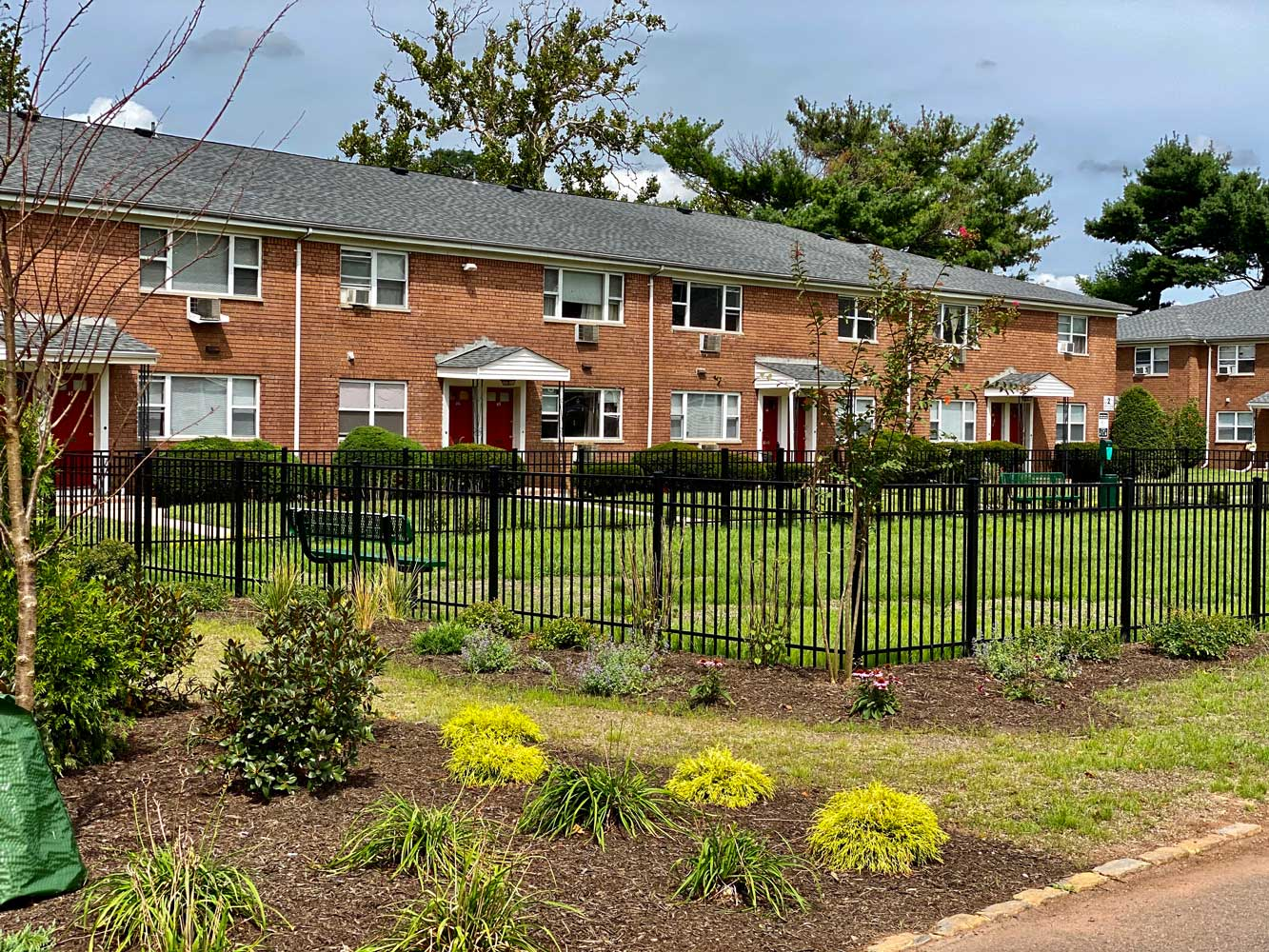 Lush Landscaping at Hampton Gardens Apartments in Middlesex, New Jersey