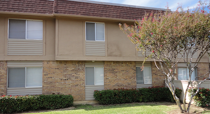 Rear View at The Avanti on Central Apartments in Bedford , TX