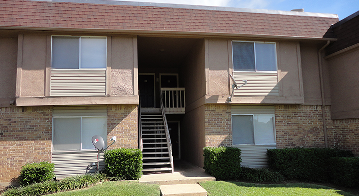 Front View at The Avanti on Central Apartments in Bedford , TX