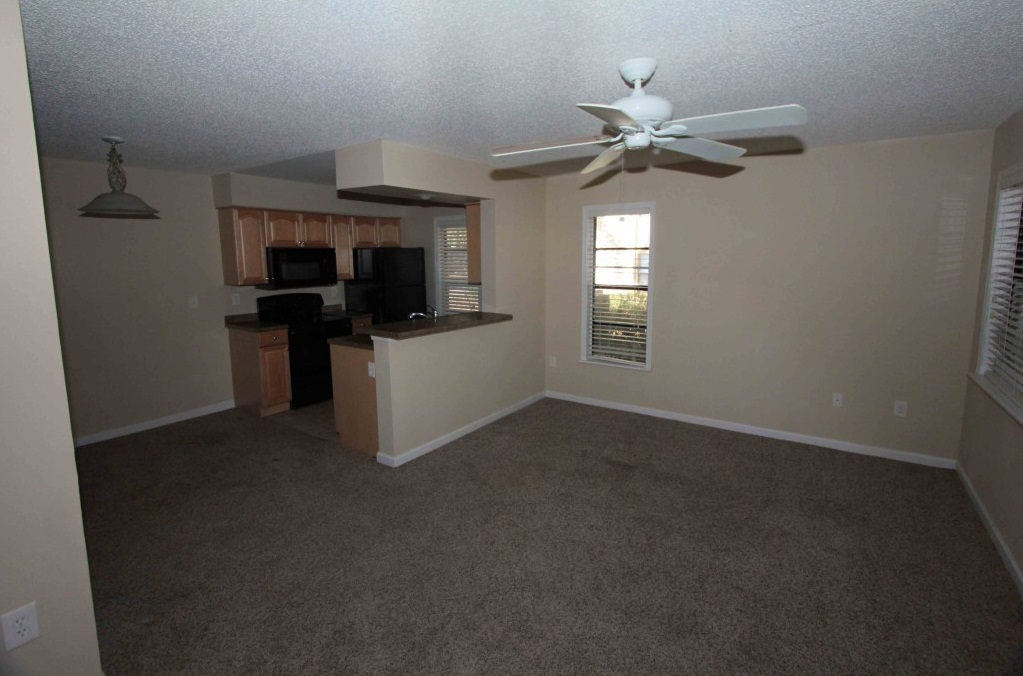 Expansive Living Area at Harbor Oaks Apartments in Hudson, FL