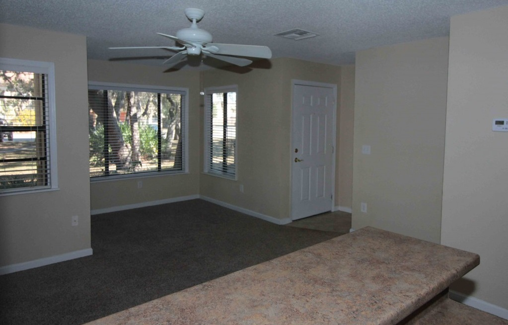 Updated Countertops at Harbor Oaks Apartments in Hudson, FL
