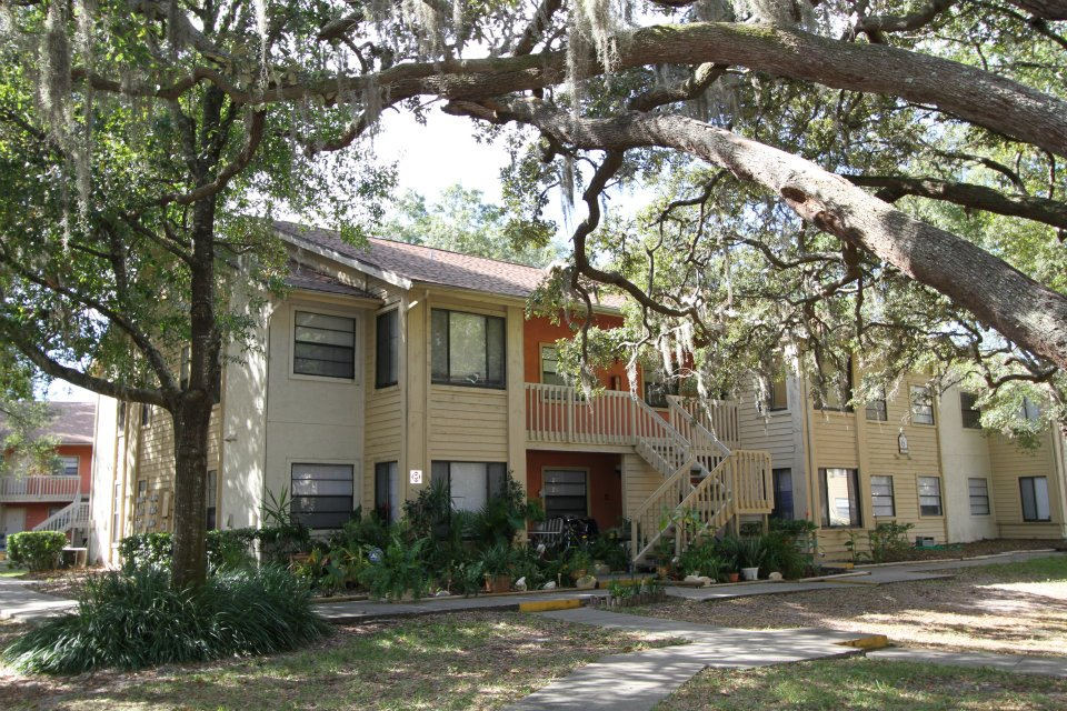 Apartment Building at Harbor Oaks Apartments in Hudson, FL