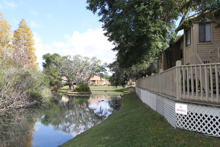 Waterfront Apartment Living at Harbor Oaks Apartments in Hudson, FL