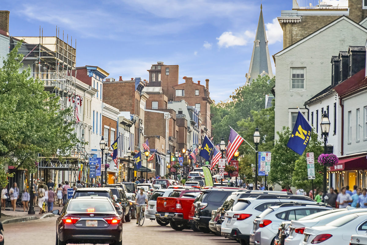 5 minutes to Historic Downtown Annapolis