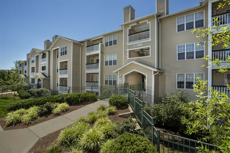 Studio, 1, 2, and 3-bedroom apartments at Harbour Gates Apartments in Annapolis, MD