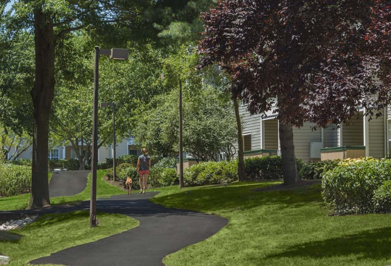 Winding paved trail at Harbour Gates Apartments in Annapolis, MD