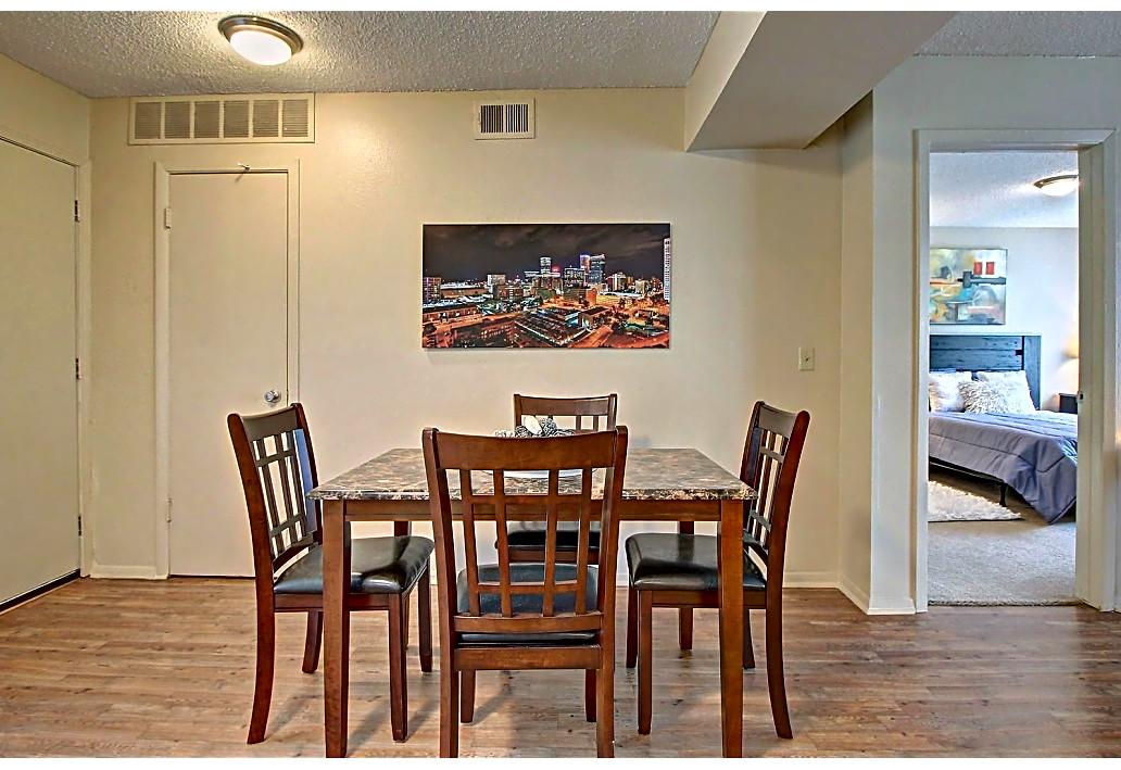 Dining Area at Harmony Glen Apartments in Tulsa, Oklahoma