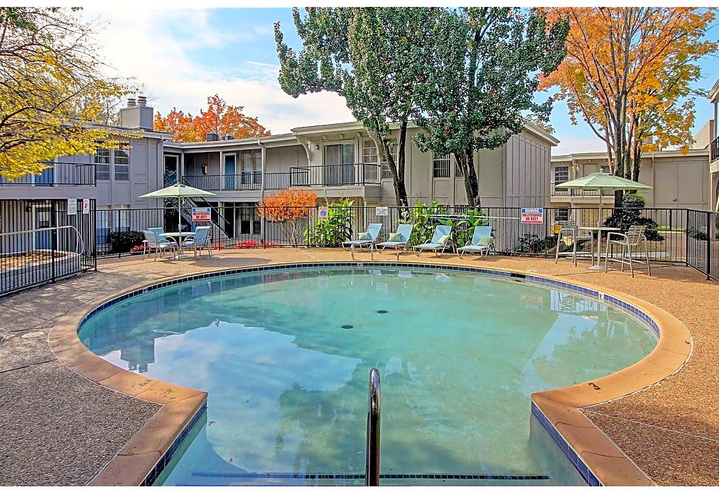 Swimming Pool at Harmony Glen Apartments in Tulsa, Oklahoma