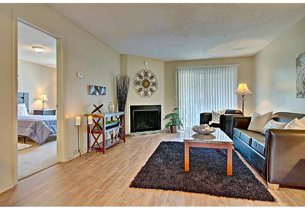 Pet-Friendly Apartments at Harmony Glen Apartments in Tulsa, Oklahoma