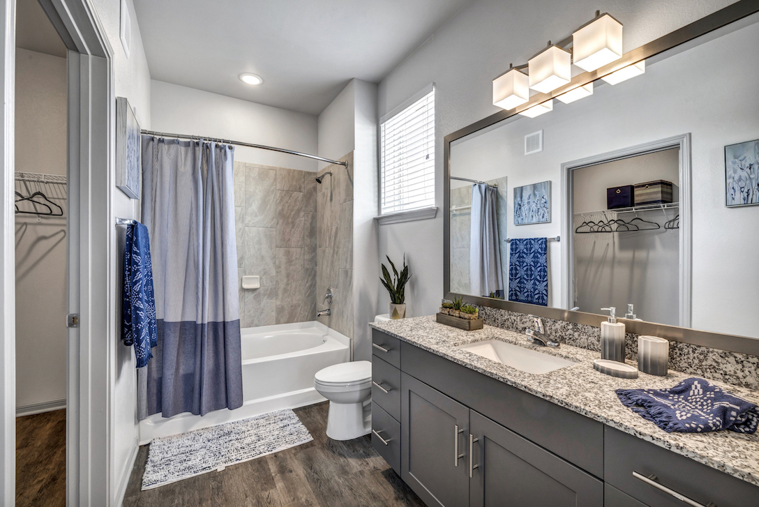 Shower and Bath at Haven at Bellaire Apartments in Richmond, TX