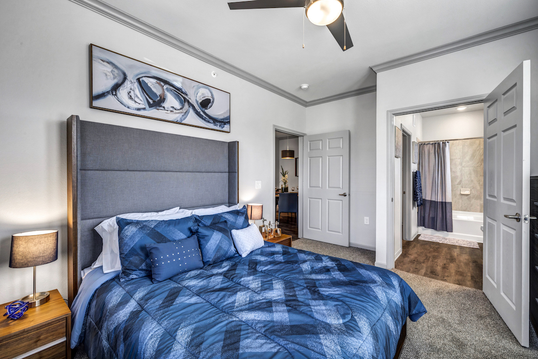 One and Two Bedroom Units at Haven at Bellaire Apartments in Richmond, TX