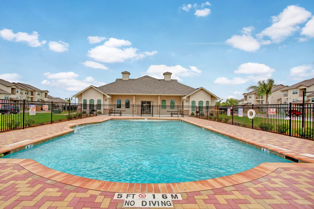 Swimming Pool at Henderson 1575 Apartments in Los Fresnos, Texas