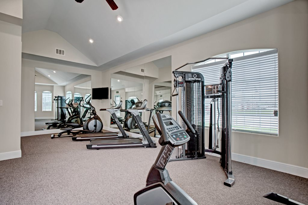 On-Site Gym Equipment at Henderson 1575 Apartments in Los Fresnos, Texas