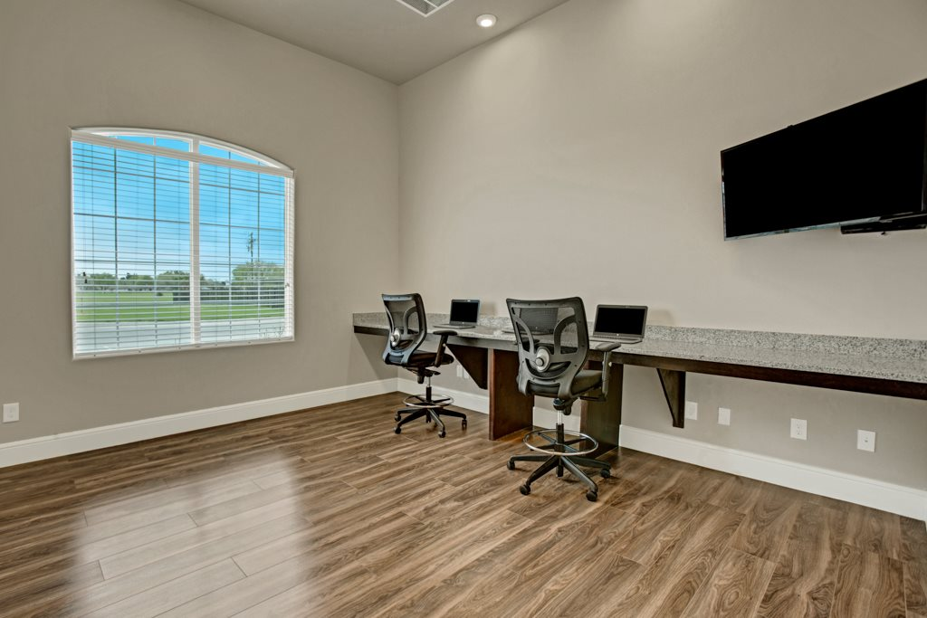 Business Center at Henderson 1575 Apartments in Los Fresnos, Texas