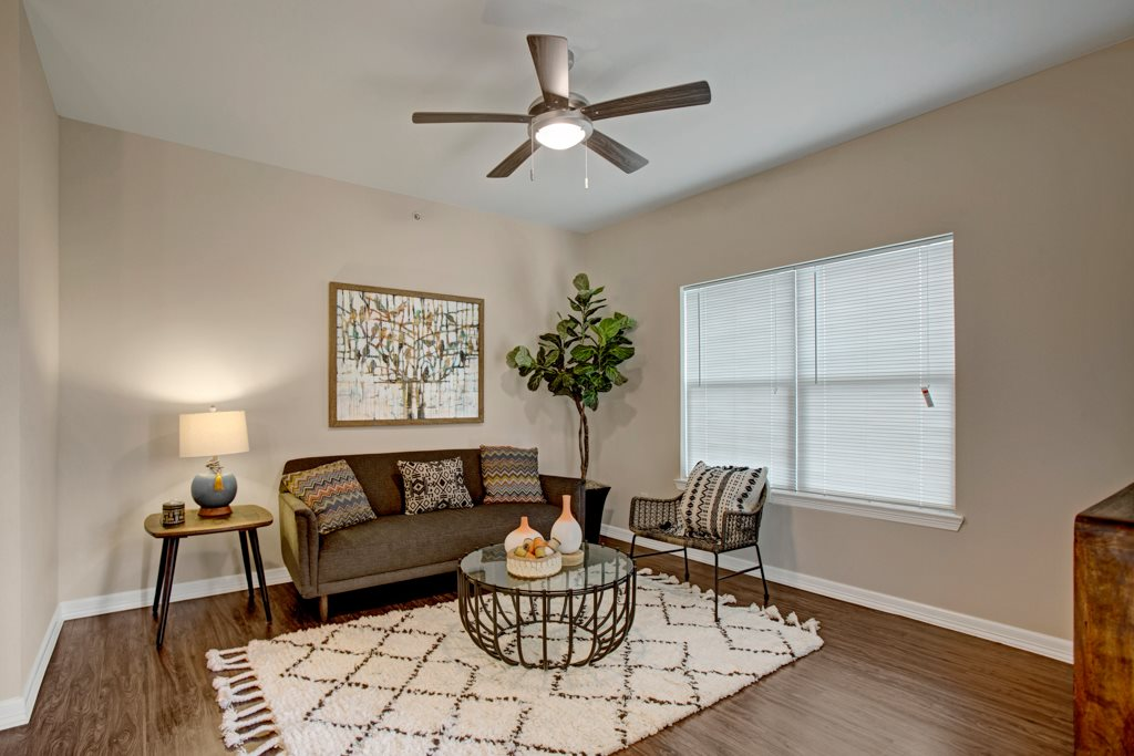 Pet-Friendly Apartments at Henderson 1575 Apartments in Los Fresnos, Texas