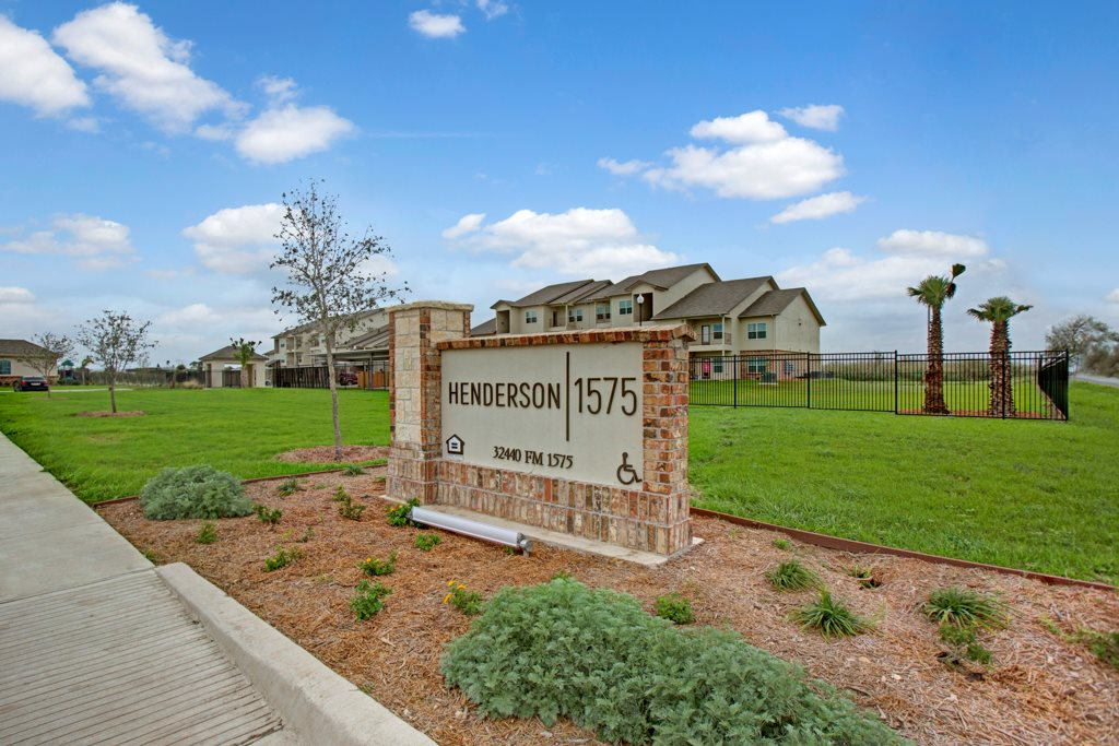 Professional Management at Henderson 1575 Apartments in Los Fresnos, Texas