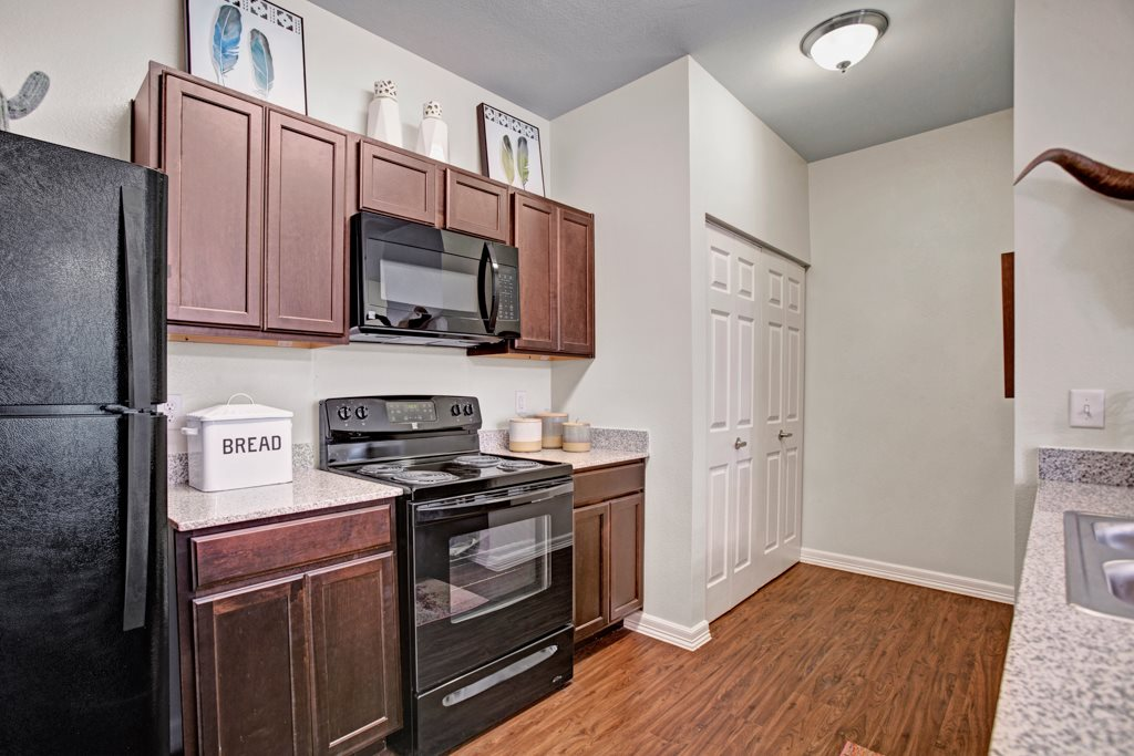 Black Appliances at Henderson 1575 Apartments in Los Fresnos, Texas