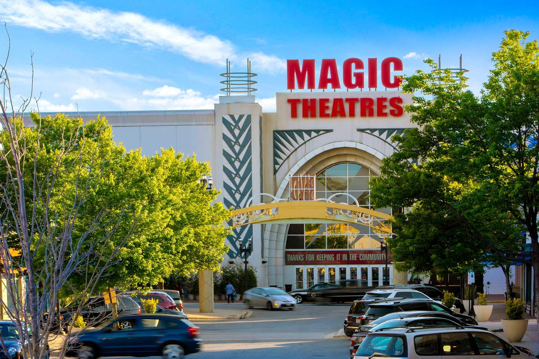 10 minutes to AMC Magic Johnson Capital Center movie theater