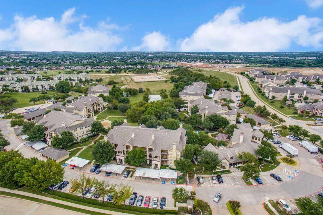 Multi-Building Community at Hidden Lakes Apartments in Haltom City, Texas