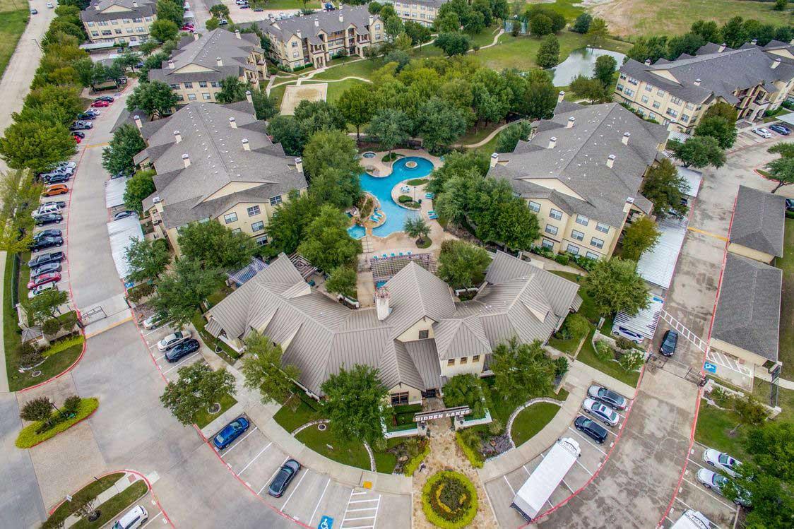 Premium Community Amenities at Hidden Lakes Apartments in Haltom City, Texas