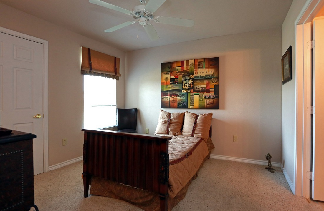 Bedroom Interior at the Highland Crossing Apartments in Tulsa, OK