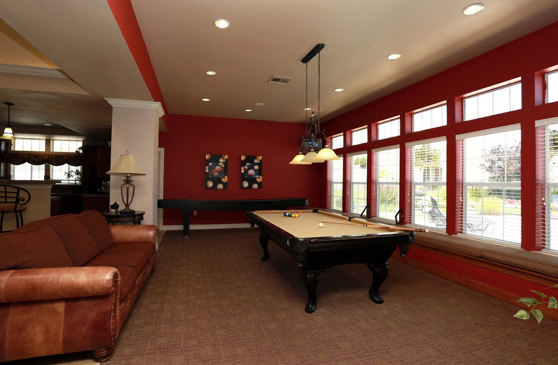 Billiard Pool Room at the Highland Crossing Apartments in Tulsa, OK
