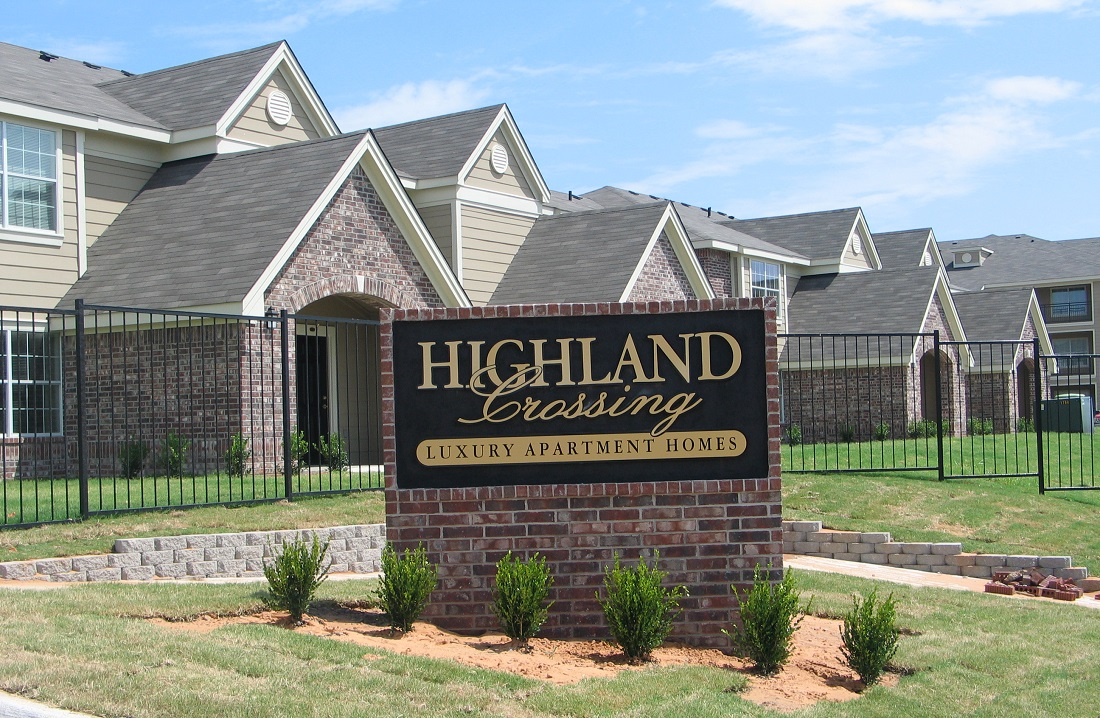 Welcome Sign at the Highland Crossing Apartments in Tulsa, OK