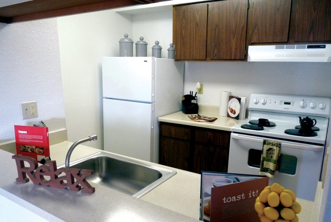 Kitchen Interior at the Highland Crossing Apartments in Tulsa, OK