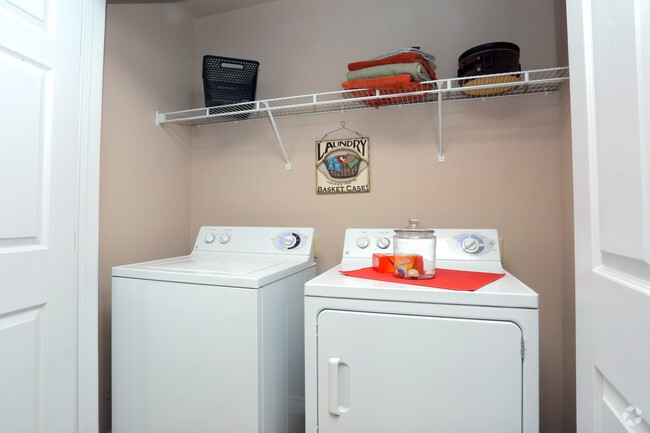 Washer and Dryer at the Highland Crossing Apartments in Tulsa, OK